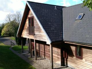 2 bedroom wooden lodges Southside Loch Awe