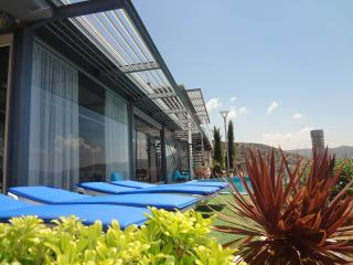Modern 7 bedroom villa with breathtaking sea views, Peyia