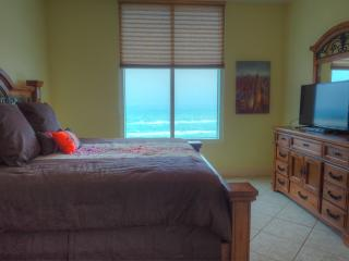Sapphire #1408 Luxury 3bd Resort Beach Front Condo, South Padre Island
