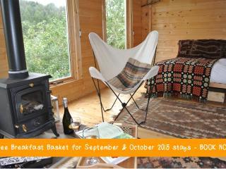 Wyldwood Retreats Terrace Lodge, Powys