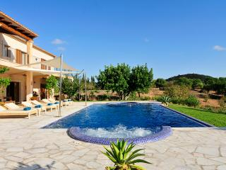 Finca Alou, 5 bedrooms villa with pool, Cala d'Or