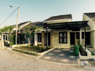 House Mauricia Lombok, Batu Layar