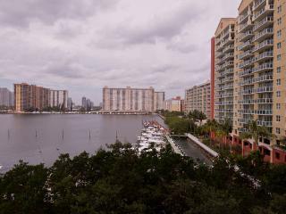 Breathtaking view 2/2 Apt Bay front Miami Beach