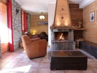 Montseti, luxury ski in-ski out apartment, Sainte-Foy-Tarentaise