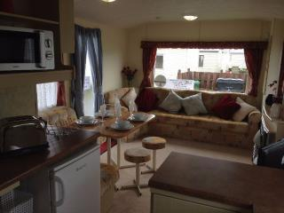 6 BERTH CARAVAN AT HAVEN HOPTON, Hopton on Sea