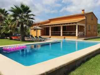 Villa with private pool and  boat trips included., Port de Pollença