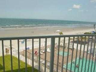 AMAZING BEACHFRONT, Beautiful 4th Floor Condo, New Smyrna Beach