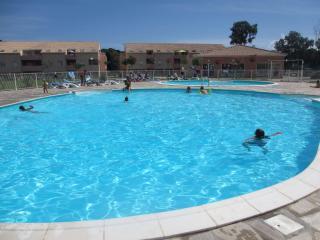 Superbe T3 terrasse belle vue piscine - proche mer