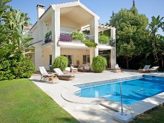 Villa Paraiso On The Beach Near Marbella