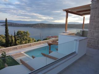 Lefka's Villas - private pool, Nafplio