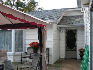 Utica Guest House a Country Bed and Breakfast, Port Perry