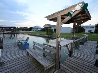 Sunset Ridge: 3/1 Waterfront  w/dock & boat ramp!, Rockport