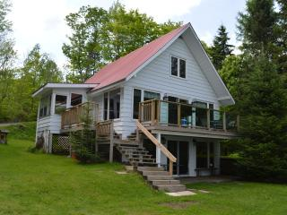 Awesome Buck Lake Cottage - ATV-Sled-Relax-FUN!