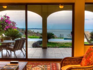 Vista Hermosa * Amazing oceanfront Villa *