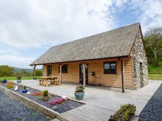 NANTLLYN large detached house, great family holiday home, views of lake in Bala