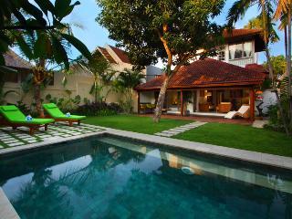 #C14 Delightful Modern Villa Central Seminyak