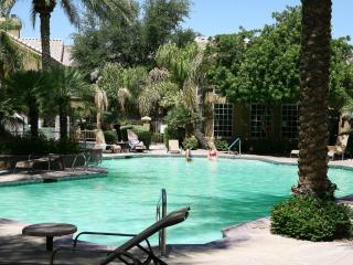 Upscale 1-bedroom condo in Scottsdale