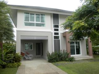 KK01 Lovely brand new house in town, Chiang Mai