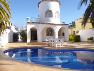 Apart-rent (0108) Casa al canal con piscina privada Empuriabrava