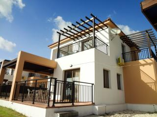 Sea front 3 bedroom villa with private pool