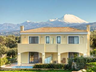 Carme Villa 1, Adelianos Kampos