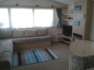 PRIVATE OWNED CARAVAN FOR HIRE AT SEASHORE HOLIDAY, Great Yarmouth
