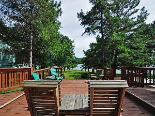 Enchanting 3 Bedroom lakefront home with incredible lake views!, Swanton