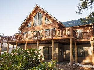 Newly bulit luxury log home in perfect location!, Oakland