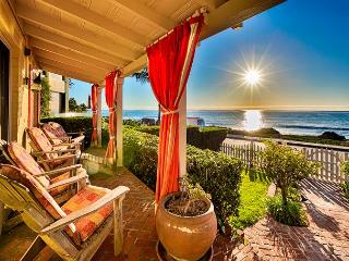 15% OFF DEC! Oceanfront Luxury Beach Cottage, World Class Views & Jacuzzi