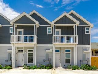 Brand-New 4BR Townhome on North Padre Island - Ocean Views!