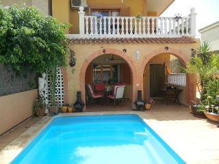 Wonderful 3 bed 2 bath villa in Los Nietos