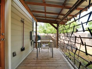 Charming Modern Cottage From 1948 In East Austin!