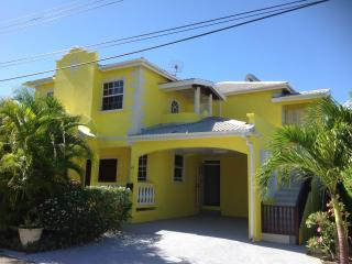 2 Bedroom/1 bath, Upstairs Luxury Apt Near Beach, Speightstown