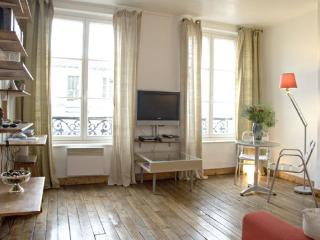 Romantic Studio Marais apartment in 04ème - Hôtel…