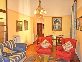 Casa Cara Mia-historic town apartment, Cortona