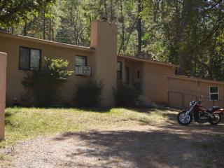 3 Bedroom 2 Bath Cabin 3 Minutes Inn Mountain Gods, Ruidoso
