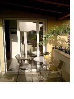 A1(6+2): balcony