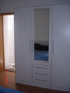 H1(8+2): bedroom