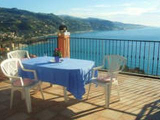 tres belle maison avec vue sur la mer, Ventimiglia