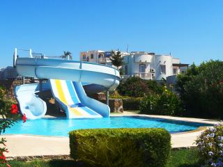 FAMILY APARTMENT IN A YALIKAVAK HOLIDAY VILLAGE WITH AQUAPARK