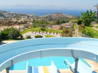 TUSETA YALIKAVAK HOLIDAY GARDENS 2 BEDROOM APARTMENT WITH 7 POOLS & AN AQUA PARK