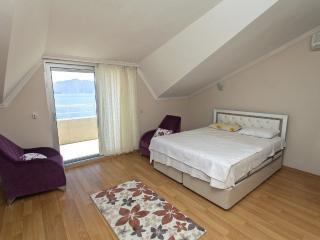 Marmaris Beach House 4 Bedroomed 1394