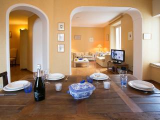 close to Via Veneto,  Dolce Vita apartment, Rome
