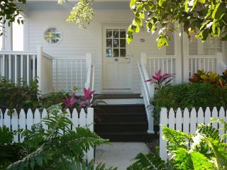 Hawks Cay Villa Spa located on Blue Water(  MARCH 4-8TH AND MARCH 18TH-23 AVAIL, Duck Key