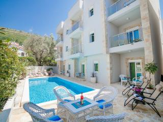 Apartments Fortunella-One Bedroom Ap with Terrace3, Petrovac