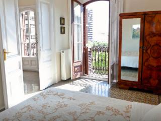 Gran Via 1870´s apartment, Barcellona
