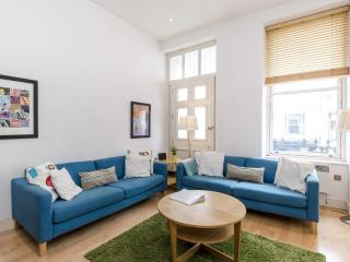 LOCATION! 2 Bed Fast WIFI - APPLE TV, Notting Hill, London