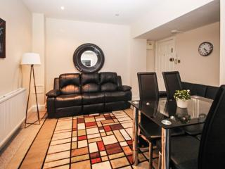 Clean and Safe 1 Bedroom Paddington Apartment Sleeps 3