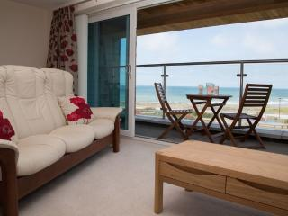 Apartment 5 Latitude 51 located in Westward Ho!, Devon