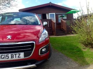 LARGE LUXURY 3 BEDROOM LODGE WITH FANTASTIC VIEWS, Chwilog